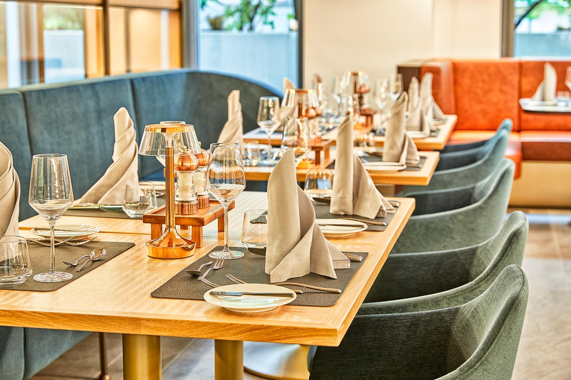 gedeckter Tisch im Restaurant Koe59
